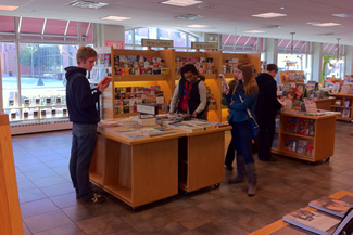 Students visit one of Chicago's bookstores during an outing to the Chicago Humanities Festival.
